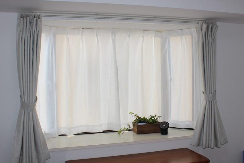 出窓カーテンの完成写真